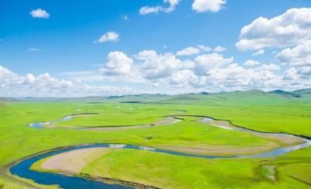 2021年暑假去内蒙古玩热吗1