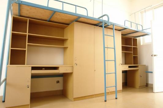 大学寝室可以私下换床位吗2