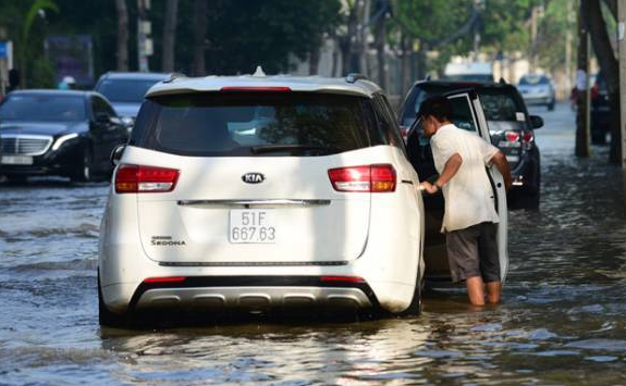 汽车被水淹了车损险能赔吗1