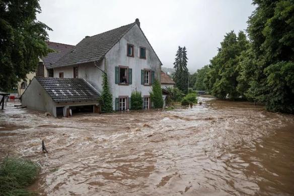 房子被水淹了该找哪些部门解决1