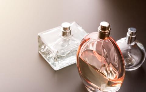 香水高仿的和正品的味道一样吗